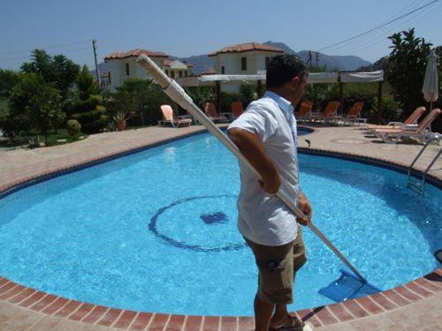 limpiar-la-piscina
